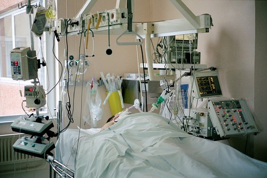 RESUSCITATION. RESUSCITATION Photo essay from hospital. Intensive care. : Stock Photo