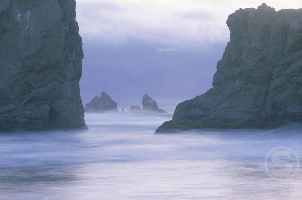 Stock Photo: 84-1058D Sea Stacks