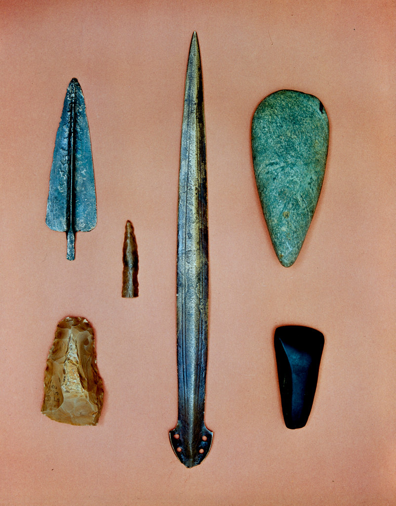 Stock Photo: 862-1488 Bronze Age Flints & Spearheads
