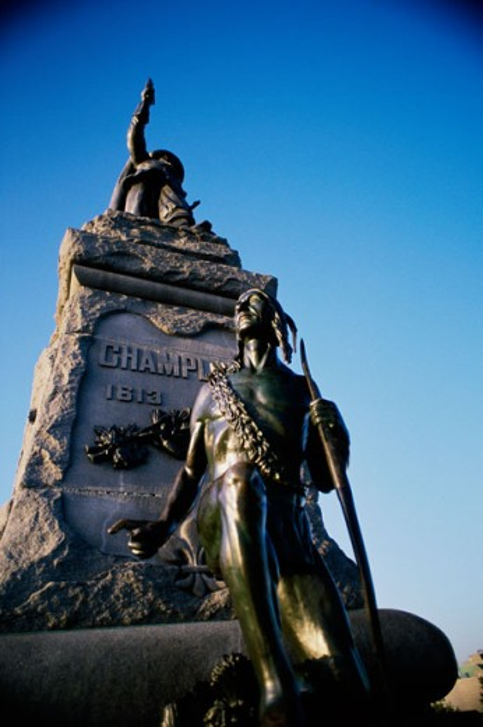 Stock Photo: 892-259 Statue of the Explorer Samuel de Champlain, Ottawa, Ontario, Canada