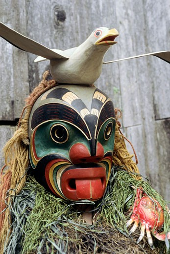 Stock Photo: 892-371 Poogweese Mask and Seagull