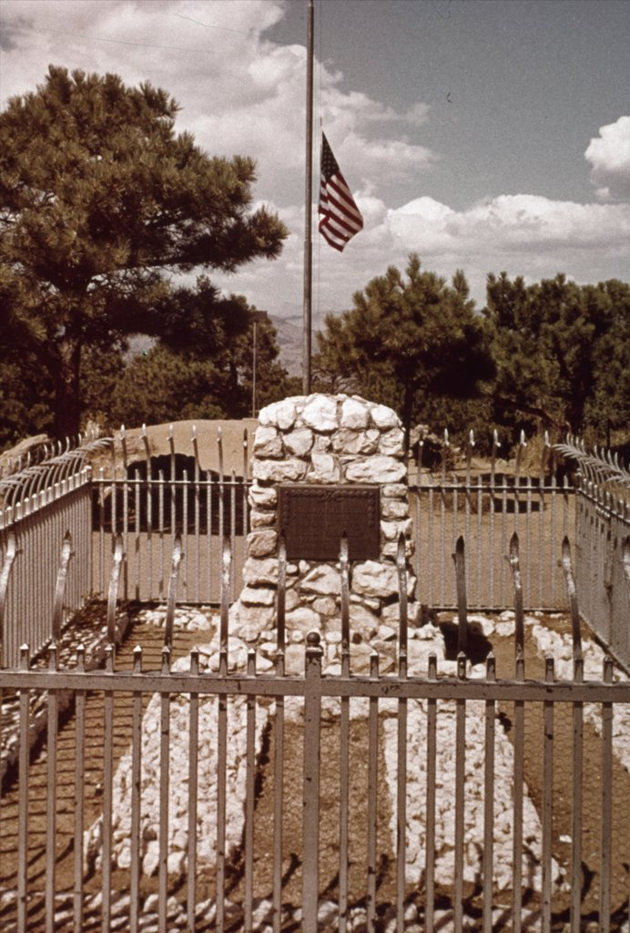 Stock Photo: 900-129980 Buffalo Bill Cody's Grave,  American History