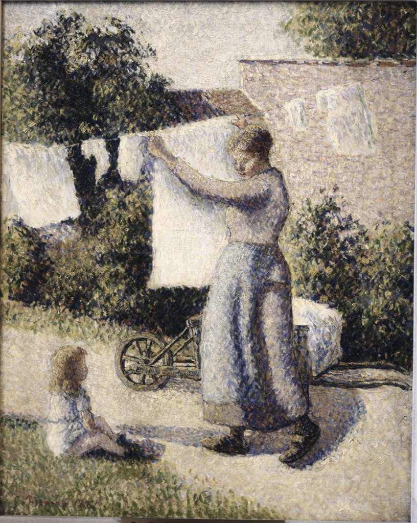 Stock Photo: 900-143619 Woman Hanging Laundry