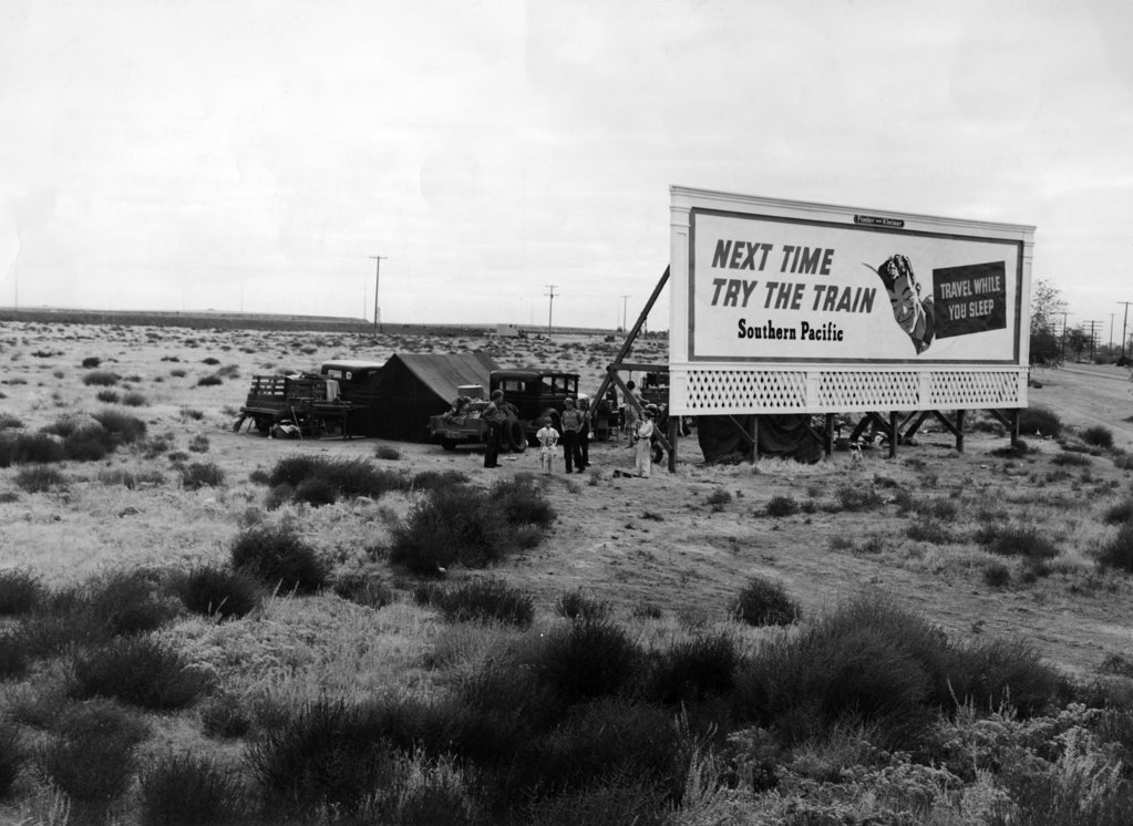 Stock Photo: 990-2451 Near US Highway  99