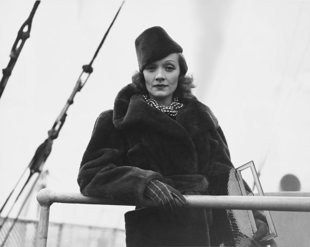 Marlene Dietrich aboard the Berengaria in Southampton 1937 : Stock Photo